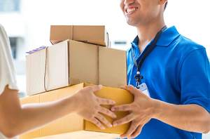 Choosing the Right Courier Services Company Can Enhance the Experience of Customers