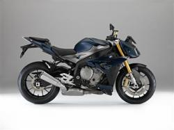 Max BMW Motorcycle Offers Safe Riding Tips For 2014.