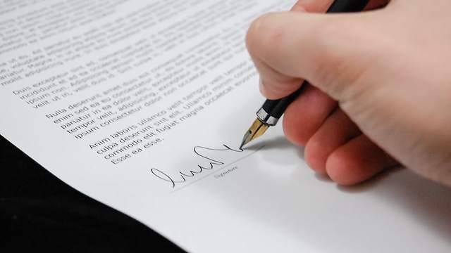 Custom admission essay law school