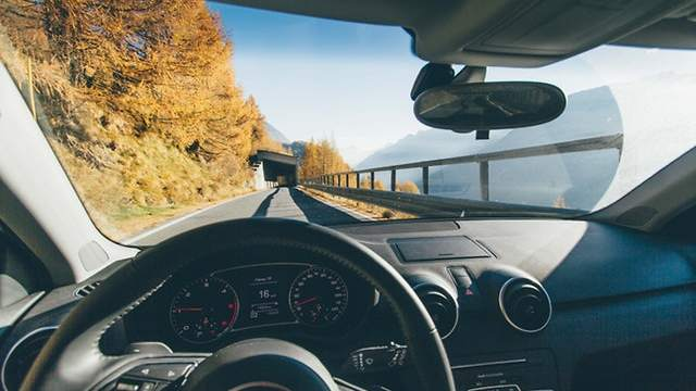 Should I Use Insurance to Replace Windshield? - 3 Tips