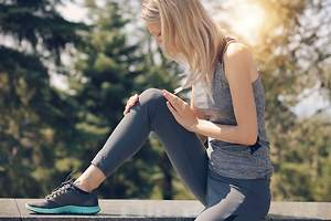 Anterior Knee Pain in Women; Causes, Symptoms, and Treatment