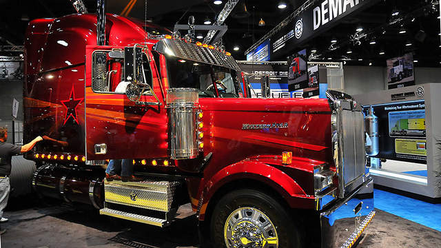 Putting Innovation and Tradition together at 2017 Mid-America Trucking Show