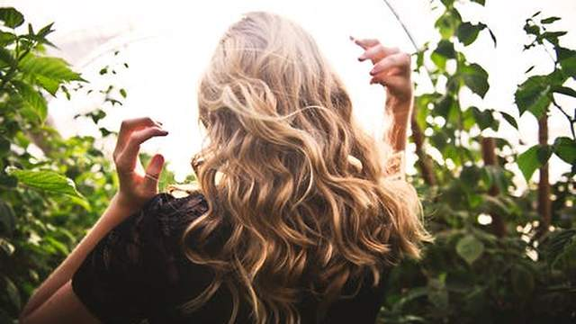 5 Tips for Healthy, Shiny Hair